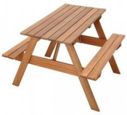 Picnic table tropical