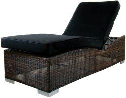 Chaise longue de jardin resine tressee Prague marron
